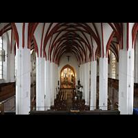 Leipzig, Thomaskirche - Bachorgel, Blick vond er Sauer-Orgel in die Kirche in Richtung Chor