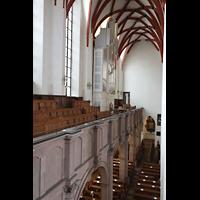 Leipzig, Thomaskirche - Bachorgel, Blick von der Sauer-Orgel zur Bach-Orgel