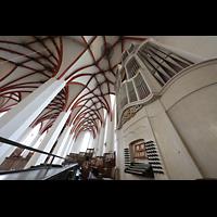 Leipzig, Thomaskirche - Bachorgel, Bach-Orgel mit Spieltisch seitlich