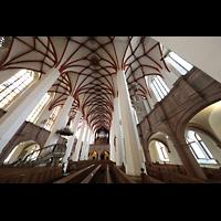 Leipzig, Thomaskirche - Bachorgel, Blick von der Vierung in die Kirche