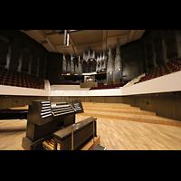 Leipzig, Neues Gewandhaus, Mobiler Spieltisch und Orgel