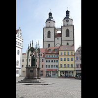 Wittenberg, Stadtkirche, Lutherdenkmal und Stadtkirche