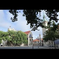 Braunschweig, Dom St. Blasii (Hauptorgel), Domplatz mit Dom (li.), Burg Dankwarderode (Mitte) und Rathausturm (re.)
