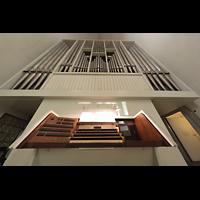 Braunschweig, Dom St. Blasii (Hauptorgel), Spieltisch und Orgel perspektivisch