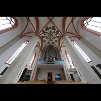 Braunschweig, St. Petri, Innenraum mit Orgelempore und Blick ins Gewölbe