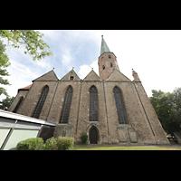 Braunschweig, St. Petri, Seitenansicht von Kirchhof aus
