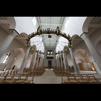 Hildesheim, Mariendom, Innenraum in Richtung Orgel