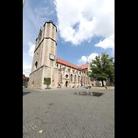 Braunschweig, Dom St. Blasii (Hauptorgel), Seitenansicht von Südwesten mit Domplatz und Fritz-Bauer-Platz