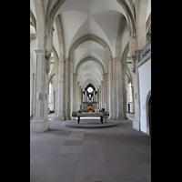Braunschweig, St. Andreas, Blick vom Altar durchs Hauptschiff zur Orgel