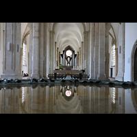 Braunschweig, St. Andreas, Blick über das Taufbecken zur Orgel
