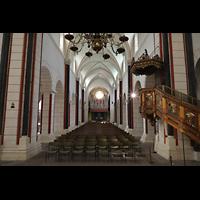 Goslar, Marktkirche St. Cosmas und Damian, Innenraum in Richtung Orgel