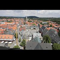 Goslar, Marktkirche St. Cosmas und Damian, Aussicht vom Nordturm auf das Breite Tor (Mitte li.) und die Stephanikirche (Mitte re.)