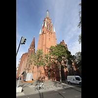 Berlin (Wedding), Stephanuskirche, Außenansicht mit Turm