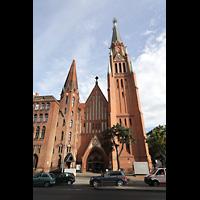 Berlin (Wedding), Stephanuskirche, Fassade, von der Prinzenallee aus gesehen