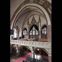 Berlin (Wedding), Stephanuskirche, Blick von der linkenen Seitenempore zur Orgel