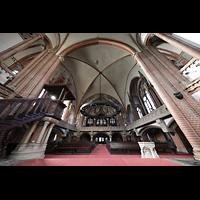 Berlin (Wedding), Stephanuskirche, Innenraum mit Querhaus und Blick zur Orgel