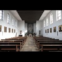 Berlin - Schöneberg, Friedhofskirche St. Fidelis, Innenraum in Richtung Chor