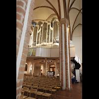 Berlin (Spandau), St. Nikolai, Blick vom südlichen Seitenschiff zur Orgel