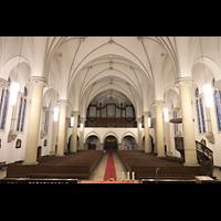 Berlin (Prenzlauer Berg), Ss.Corpus Christi Kirche, Innenraum in Richtung Orgel