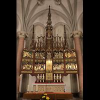 Berlin (Prenzlauer Berg), Ss.Corpus Christi Kirche, Nuegotischer Hochaltar