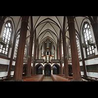 Berlin (Tiergarten), St. Paulus Dominikanerkloster, Innenraum in Richtung Orgel