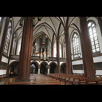Berlin (Tiergarten), St. Paulus Dominikanerkloster, Innenraum in Richtung Orgel und östliches Seitenschiff
