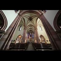 Berlin (Wilmersdorf), St. Ludwig, Innenraum in Richtung Chor