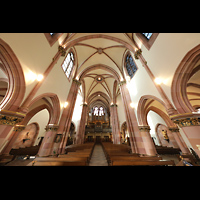 Berlin (Wilmersdorf), St. Ludwig, Innenraum in Richtung Orgel