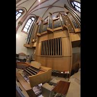 Berlin (Wilmersdorf), St. Ludwig, Spieltisch und Orgel