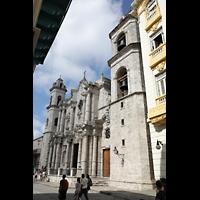 La Habana (Havanna), Catedral de San Cristóbal, Fassade schräg von der Calle Empedrado gesehen