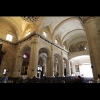 La Habana (Havanna), Catedral de San Cristóbal, Blick von der Vierung zur (digitalen!) Orgel auf der Empore