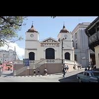 Santiago de Cuba, Auditorio Nuestra Señora de los Dolores, Fassade vom Plaza de Dolores aus gesehen