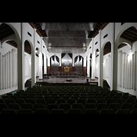 Santiago de Cuba, Auditorio Nuestra Señora de los Dolores, Innenraum in Richtung Orgel