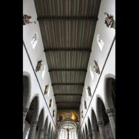 Ravensburg, Kath. Stadtkirche Liebfrauenkirche (Hauptorgel), Holzdecke und Figuren an der Obergadenwand