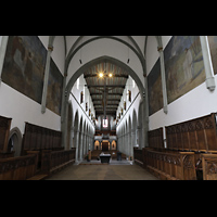Ravensburg, Kath. Stadtkirche Liebfrauenkirche (Hauptorgel), Blick vom Hochaltar durchs gesamte Hauptschiff zur Orgel