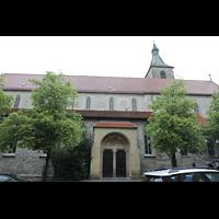 Ravensburg, St. Jodok, Seitenansicht mit Portal