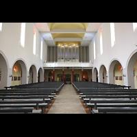 Konstanz, St. Gebhard (Konzilsorgel), Innenraum in Richtung Orgel