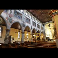 Konstanz, St. Stefan, Hauptschiff mit Wandmalereien an der Obergadenwand
