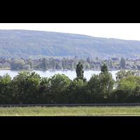 Reichenau - Mittelzell, Münster St. Maria und Markus, Blick von Allensbachüber den Bodensee zum Münster Mittelzell