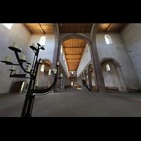 Schaffhausen, Münster (ehem. Kloster zu Allerheiligen), Vierungsraum mit Leuchter und Blick zur Orgel