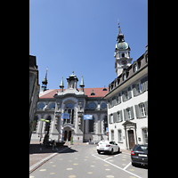 Frauenfeld, Kath. Stadtkirche St. Nikolaus, Kirche Außenansicht vom Bankplatz