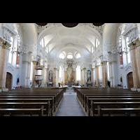 Frauenfeld, Kath. Stadtkirche St. Nikolaus, Innenraum in Richtung Chor