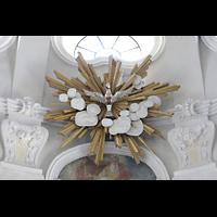Frauenfeld, Kath. Stadtkirche St. Nikolaus, Symbol des Heiligen Geistes im Chorraum