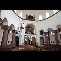 Berlin - Wilmersdorf, Maria unter dem Kreuz, Innenraum mit Orgel seitlich