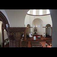 Berlin - Wilmersdorf, Maria unter dem Kreuz, Blick von der Seitenempore in die Kirche