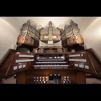Berlin - Wilmersdorf, Maria unter dem Kreuz, Orgel mit Spieltisch