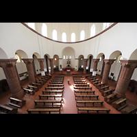 Berlin - Wilmersdorf, Maria unter dem Kreuz, Blick von der Orgelempore in die Kirche
