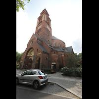 Berlin - Wilmersdorf, Maria unter dem Kreuz, Außenansicht von der Laubacher Straße aus