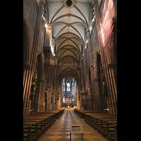Freiburg, Münster unserer lieben Frau, Hauptschiff in Richtung Chor