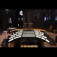 Freiburg, Münster unserer lieben Frau, Zentralspieltisch aller vier Orgeln im Chorraum